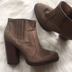 ZARA Trafaluc Faux-Suede Ankle Boot Size 9